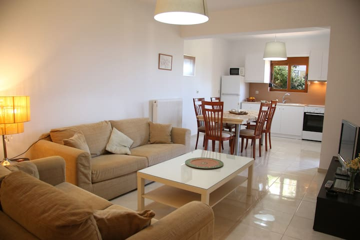 NOELLA, new budget apartment near beach & Rethymno - Agios Dimitrios - Appartement