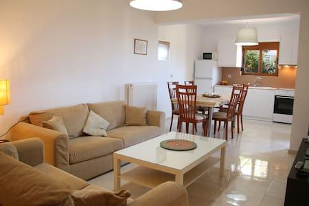 NOELLA, new budget apartment near beach & Rethymno - Agios Dimitrios - Leilighet