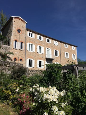 Grande maison de charme sur les hauteurs d'Ambert