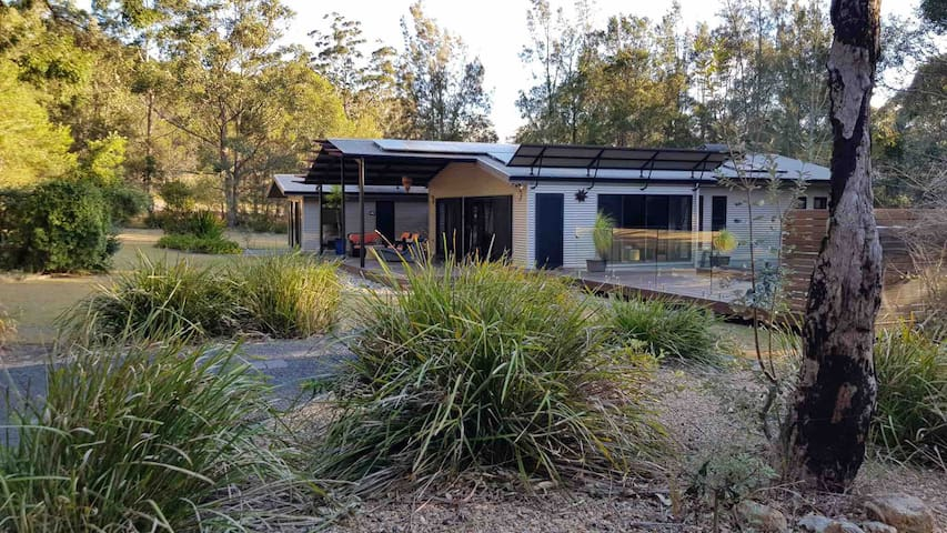 Narrawallee Bush Retreat