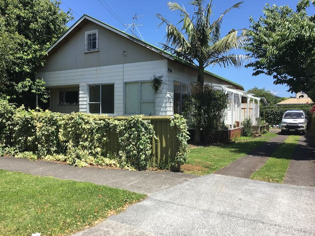 Double Room in Epsom, an Auckland Central Suburb