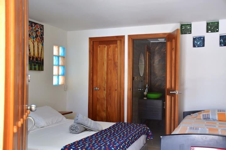 Cómoda, confortable Habitación amplia y Fresca
