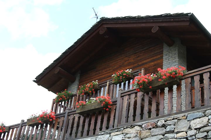 Cabin in front of Grand Paradis and Arolla