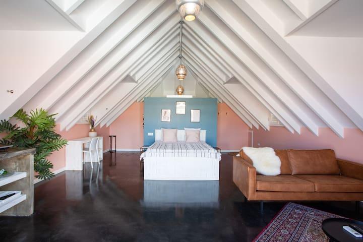 Bohemian loft with private rooftop in Pietermaai