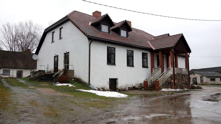 Ausmas - historical Omuli brewery manor house
