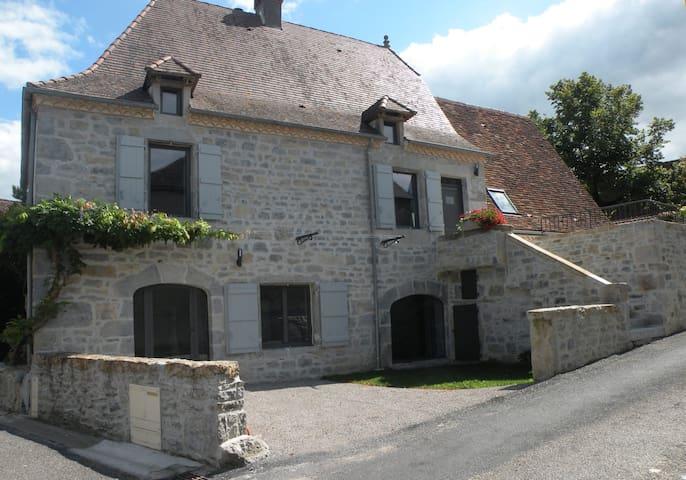 Maison quercynoise avec piscine et jardin clos - Gramat - Σπίτι