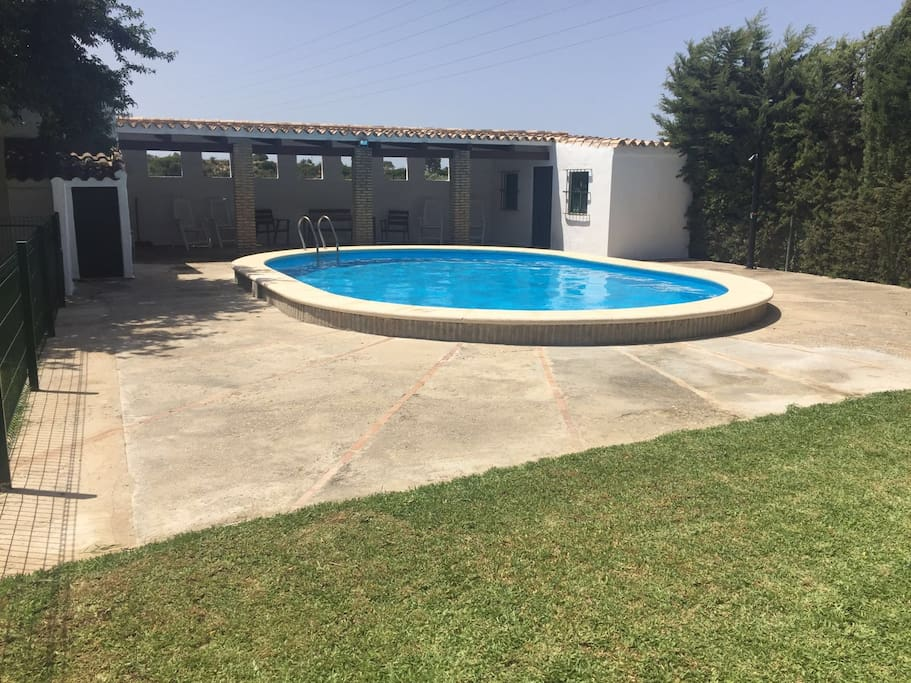 Casa rural con piscina privada ideal para familias for Piscina municipal puerto real