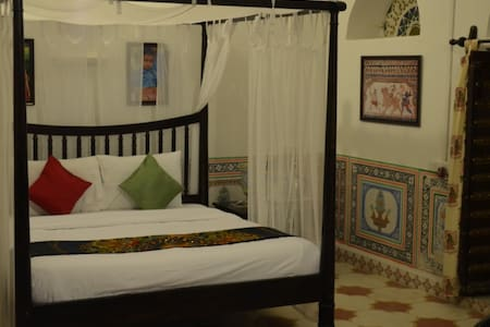 Haveli Room in a historic mansion - Churu - Villa