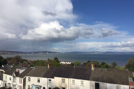 Spacious apartment, sea views in heart of Mumbles - The Mumbles - Huoneisto