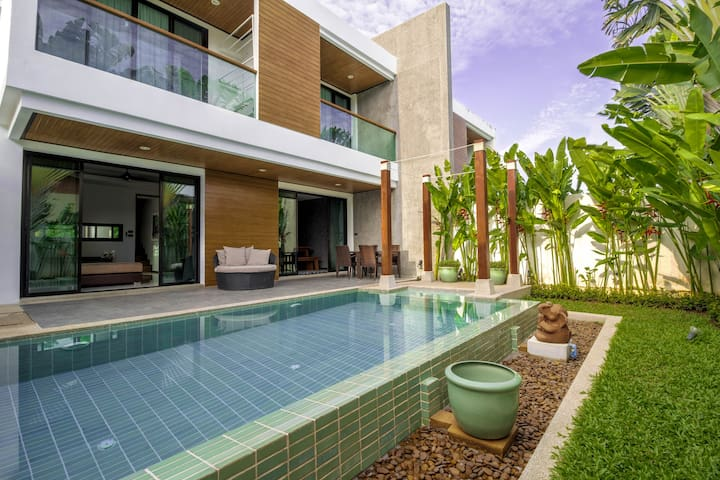 Phuket Rawai, Stunning Villa 2 Bed rooms