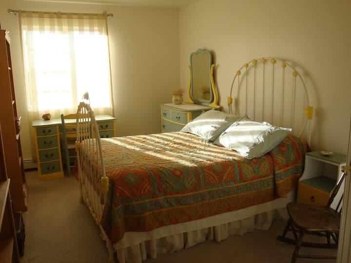 2 Room Suite in 12th Sunniest City