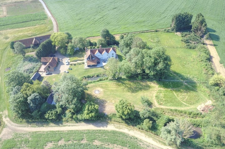 Lampetts Farm 1 HOUR to CENTRAL LONDON