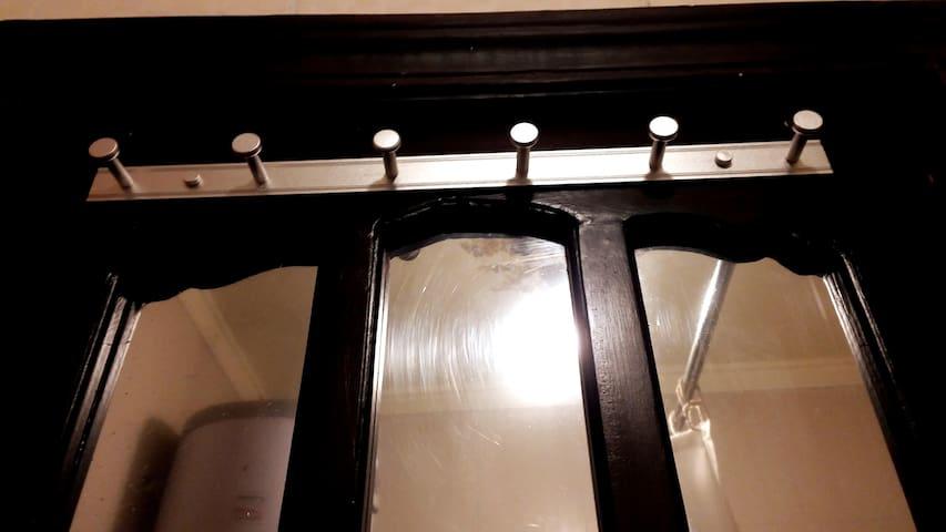 * Woody Door  *  Amazing Mirror   * Wide long Hanger