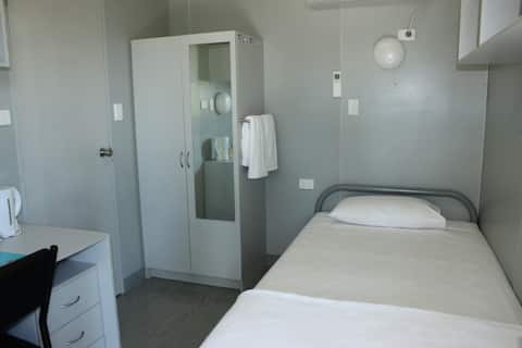 Single bed plus en-suite