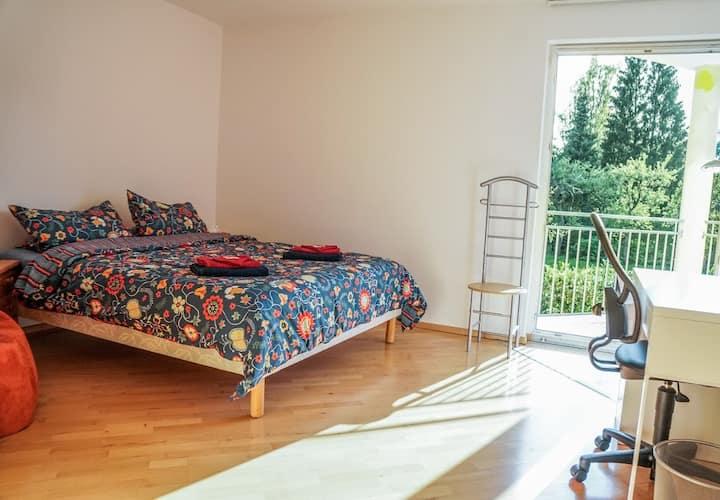 Gemütliches Doppelzimmer, hell und ruhig