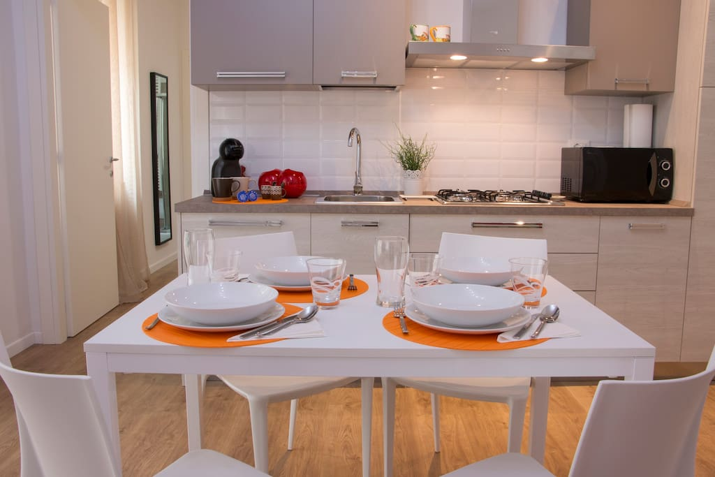 Tavolo da Pranzo / Dining Table