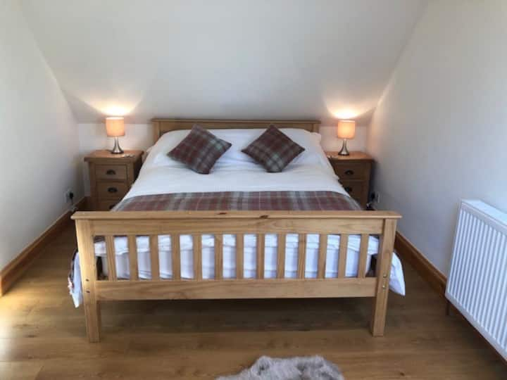 Chaise and Pair Coach House Sleeps 2 in Barkway