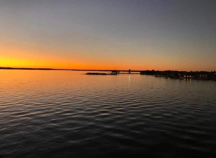 The Lakeside Retreat on Lake Conroe