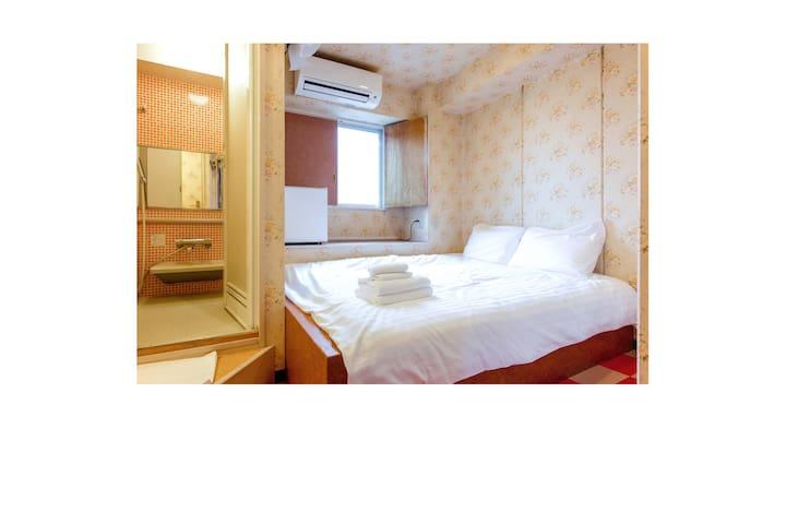 1 STOP to SHINJUKU Compact Room with Every Amenity
