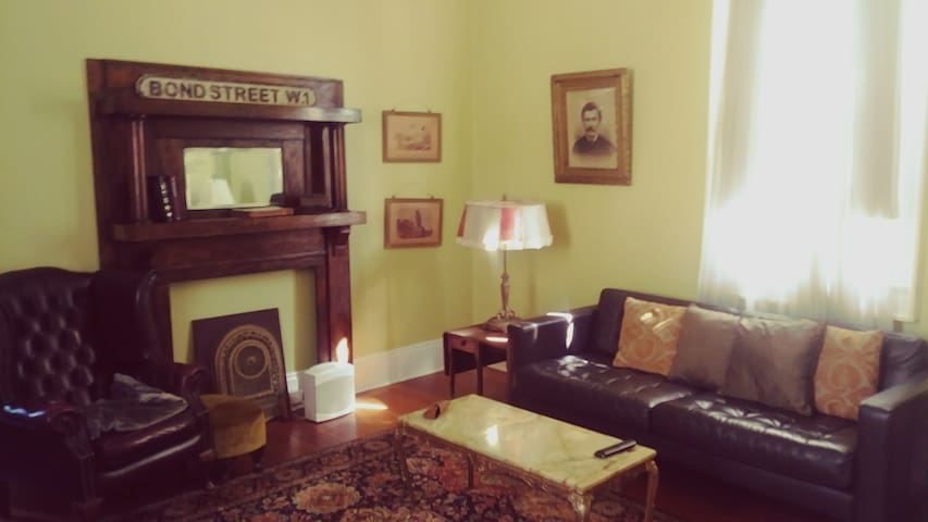 Bywater-5 Star Historical Home-Monthly/Bikes Avail