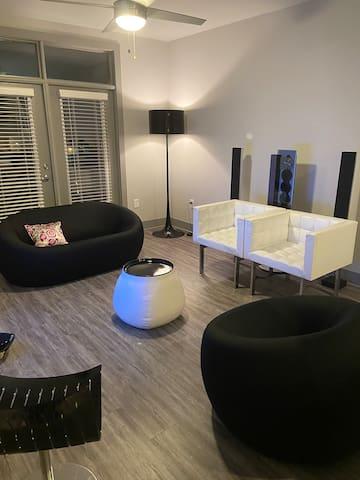 Brand New Modern 1 bedroom Buckhead Apartment