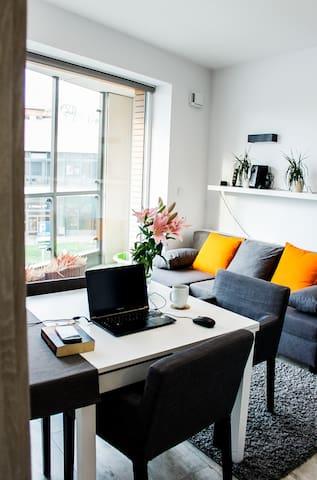 """Modern Business Apartment close to City Center"""