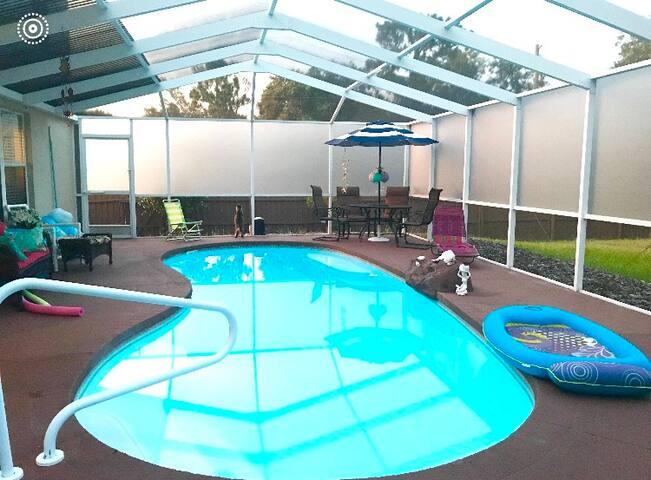 Mermaid manatee mansion