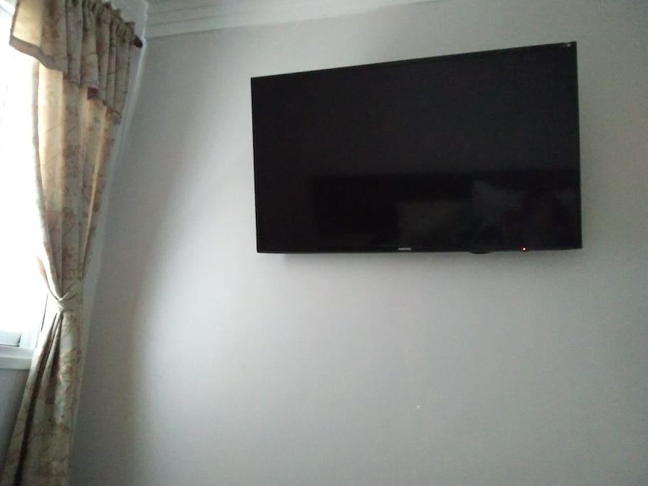 Tv Smart ....   Quarto