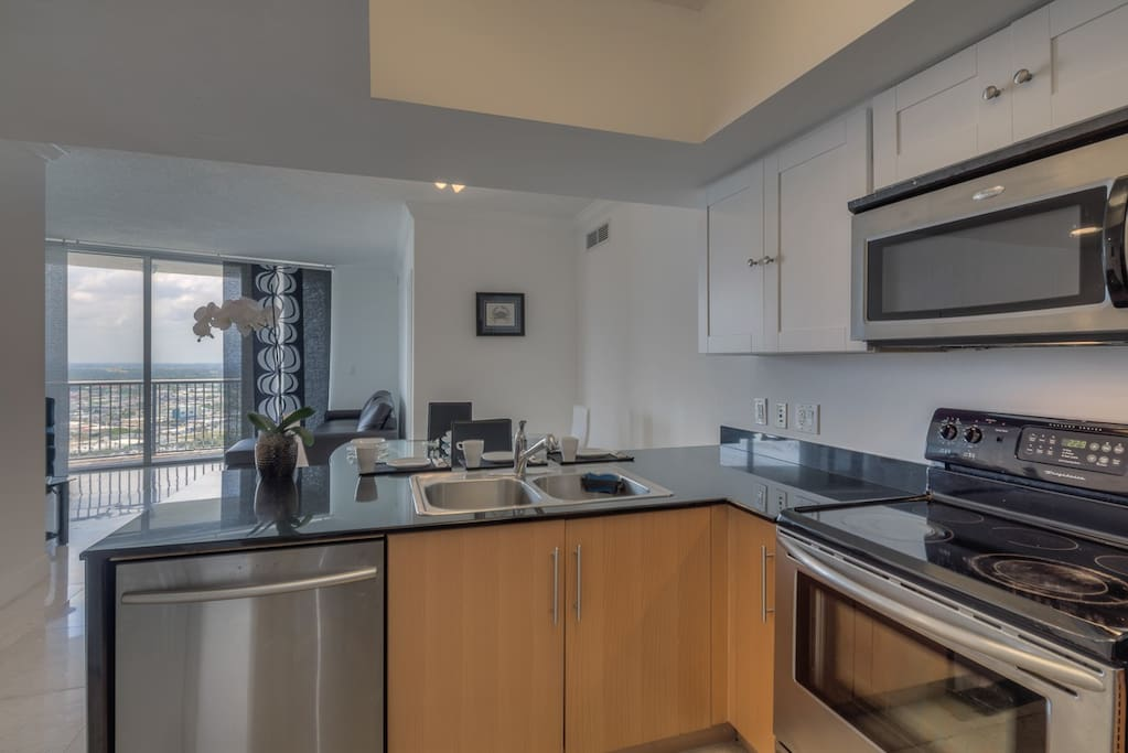 Amazing 2 2 Bedroom At Edgewater Apartments For Rent In Miami Florida United States