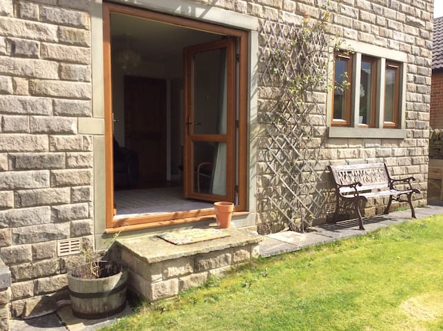 Treat yourself to a getaway - Holmfirth - Haus