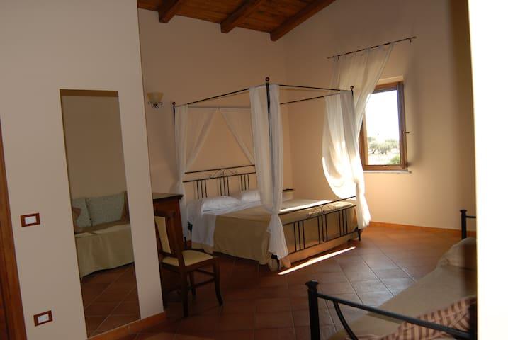 Immagini nella genuinità calabrese - Santa Caterina dello Ionio - ที่พักพร้อมอาหารเช้า