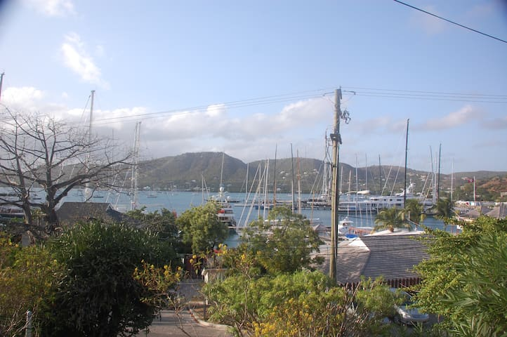 PAPAYA APARTMENT overlooking Falmouth Harbour - Antigua - Lägenhet