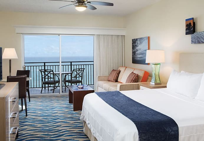 Marriott Ft Lauderdale  Luxury Studio sleeps 4