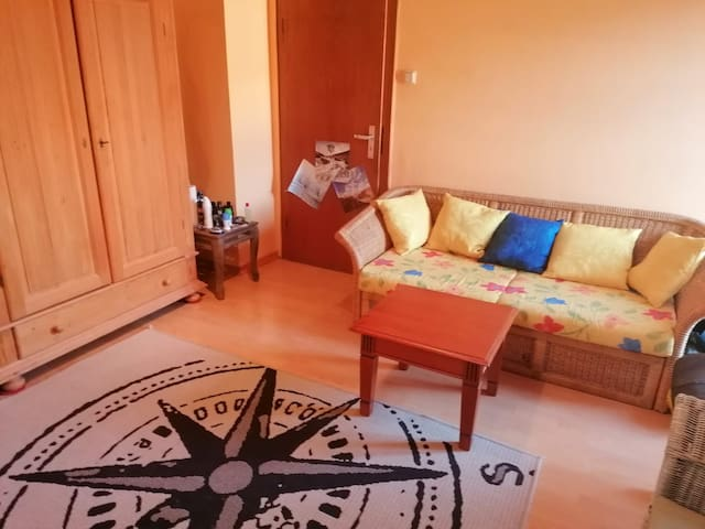 Comfortable room in a cosy house next to the Uni