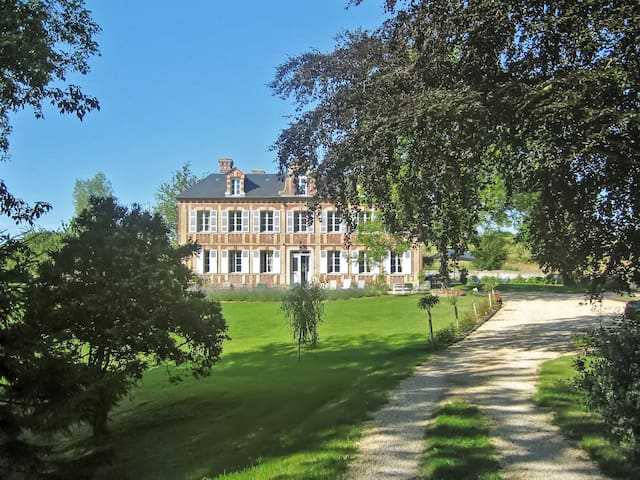Manor house w patio and lush view - Gonneville sur Mer - Huis