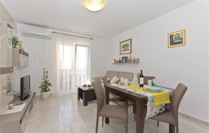 Stunning home in Vodnjan with WiFi and 1 Bedrooms