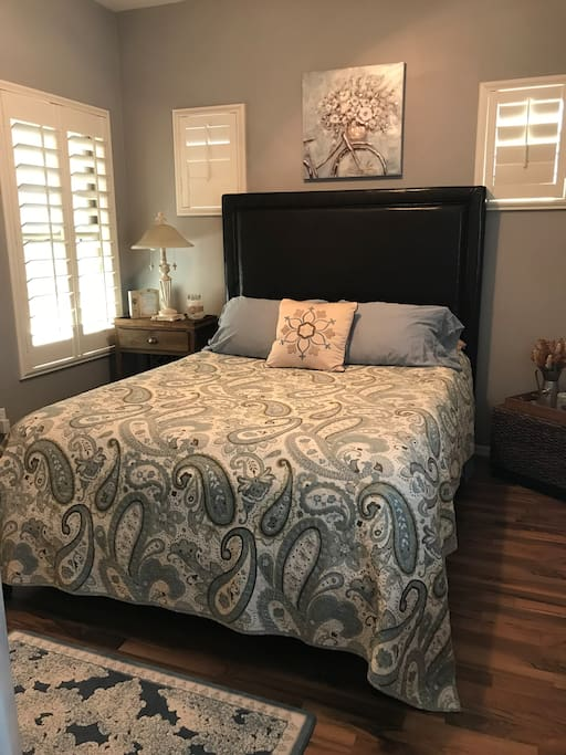 Comfy Queen size bed for a good nights sleep!