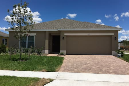 Charming new home near Disney parks - Davenport