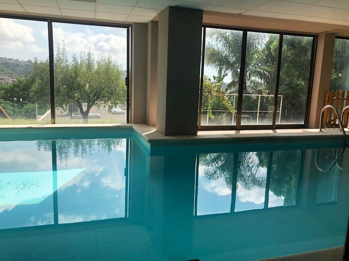 Discover Barcelona- House with Indoor Heated Pool