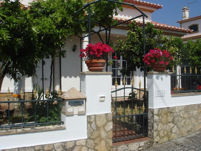 VILLA LOURINHA :  4 bedrooms near BEACH & OBIDOS