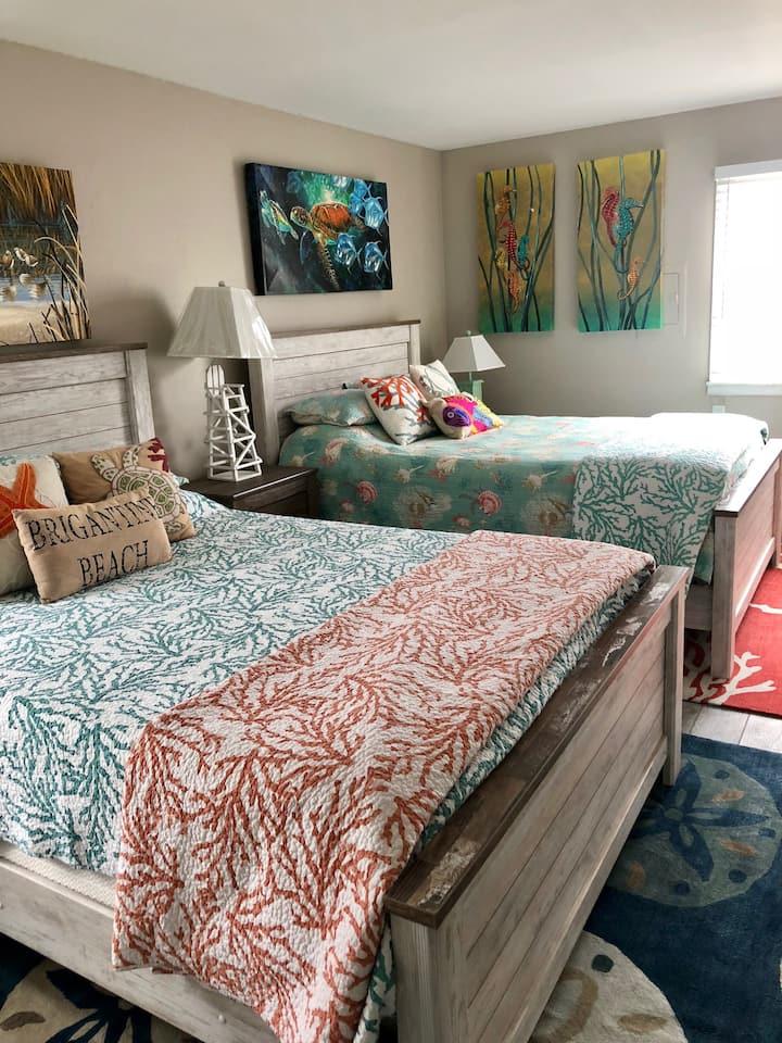 Fantastic 1 Bedroom Beach Condo- 2nd Floor
