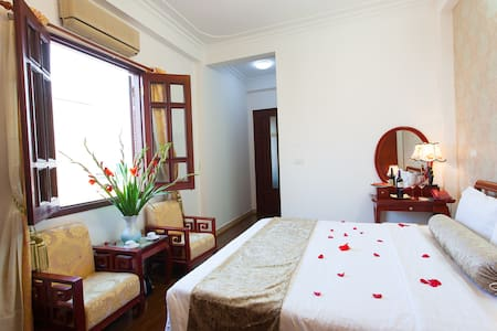Superior Double of Luxury Hotel - Cửa Nam - Bed & Breakfast