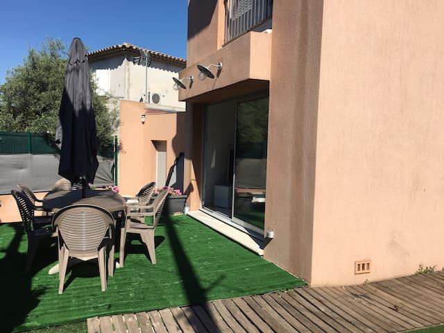 villa moderne avec spa pour 6 pers proche plages - Antibes - Villa