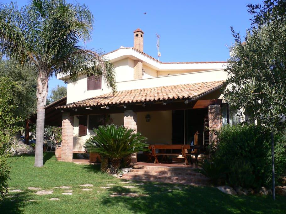 Villa e Giardino con Veranda per pranzo o per cena