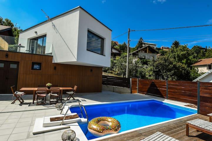 Villa Dream Samobor, vila s pogledom i  bazenom
