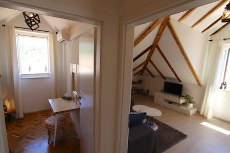 Hvar Town, CENTER- SeaView Loft Apartment