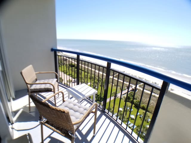 Amazing view  August 16-20 Sale Oceafront Balcony