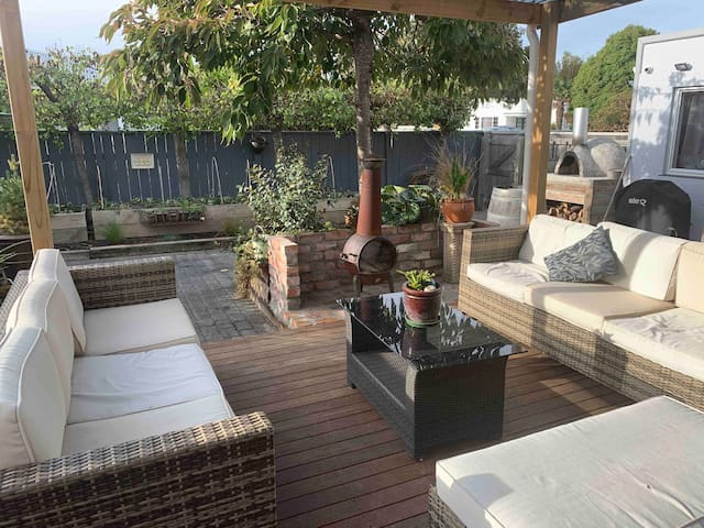 Beautiful Large Central Napier Home