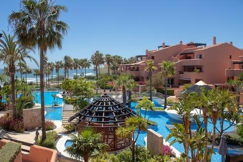 Beachfront Apartment with Luxury Amenities