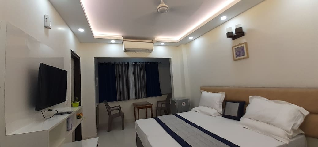 Room for long stay w/ terrace garden and cook